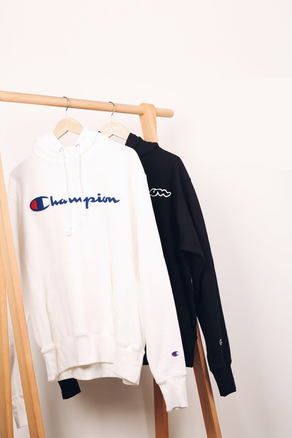 Champion Reverse Weave Chenille Script Pullover Hoodie